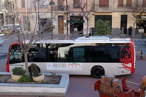 Alcoy estudia abonos para el autobús urbano
