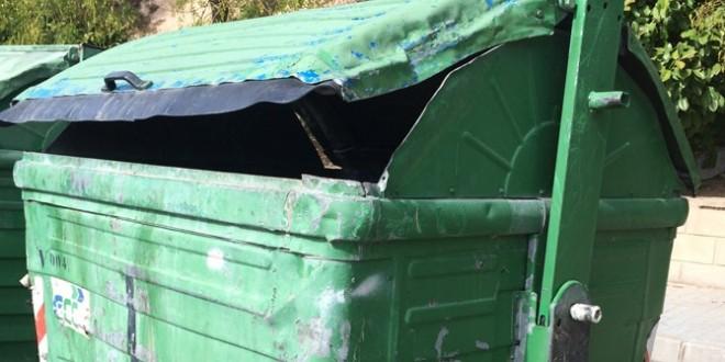Compromís insta a la limpieza de los contenedores