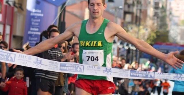 Andrés Micó gana la Media Maratón