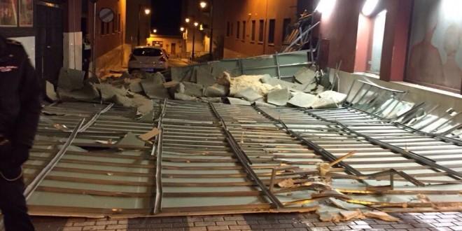El viento provoca destrozos en Alcoy