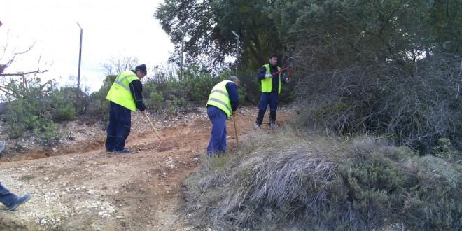 Las brigadas de prevención acondicionan las áreas naturales