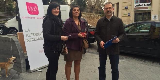 UPyD denuncia a pie de calle el elevado coste de la Mancomunidad