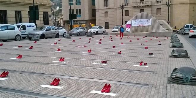 Una performance homenajea a las mujeres muertas por violencia de género