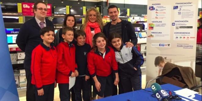 Los alumnos de San Roque protagonistas de la Escuela de Niños en Carrefour l´ Altet
