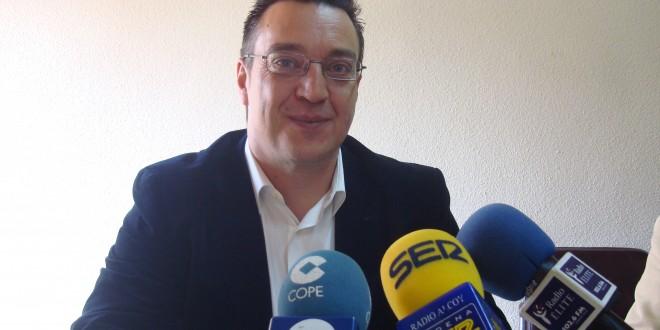 Ángel Mollà combina experiencia y juventud en la candidatura del PP a la alcaldía de Muro