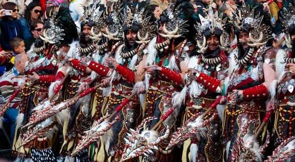 Turismo refuerza la promoción de las fiestas de moros y cristianos