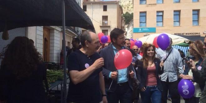 Ignacio Blanco visita el mercadillo de Cocentaina