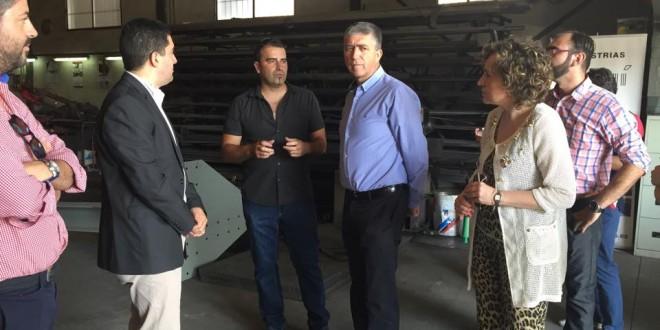 Climent se estrena en la Comarca como Conseller de Economía apoyando Alcoinnova