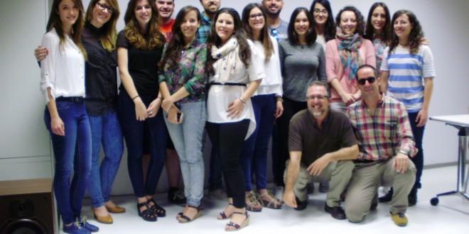 La Escola D´Art diseña la fachada de Fernando Cano Ropa Hombre