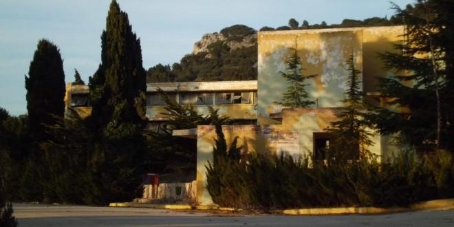 Alcoleja lamenta el avanzado estado de deterioro de la Base de Aitana