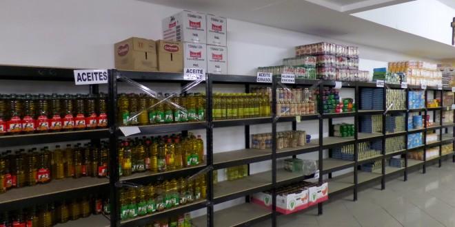 El Economato de Cáritas sigue atendiendo a más de 400 familias en Alcoy