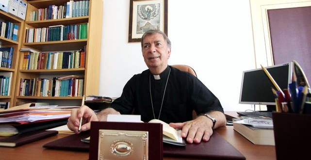 El obispo Salvador Giménez presidirá la misa de la Virgen de los Lirios