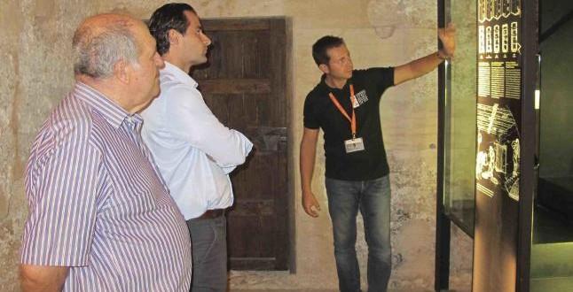 La Diputación entrega a Almudaina un inventario de bienes inmuebles