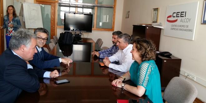 El Conseller Climent visita el CEEI y AITEX