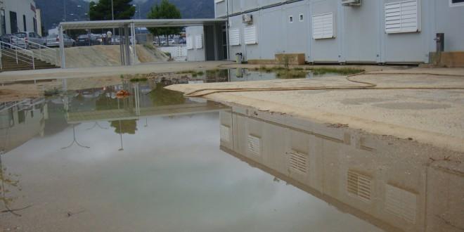 La lluvia obliga a suspender las clases en el Bracal