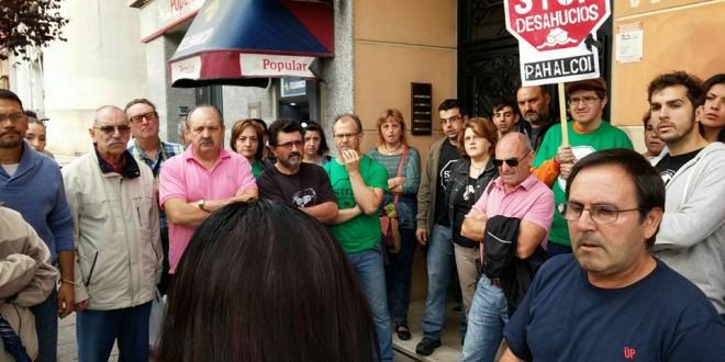 La PAH consigue aplazar un desahucio en Cocentaina