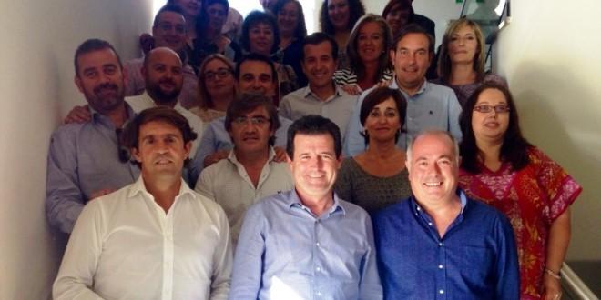 Císcar mantiene un encuentro con el PP comarcal