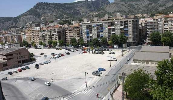 Ciudadanos propone el asfaltado de la Plaza Al-Azraq
