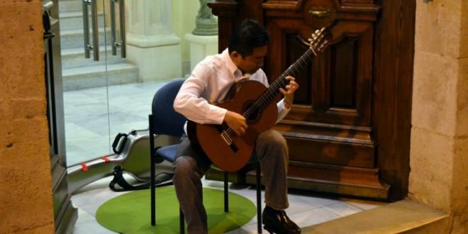 Hiroshi Fujii dirigirá el Himno de fiestas en 2016