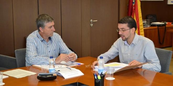 El Conseller Climent recibe a los alcaldes de l´Orxa y Beniarrés