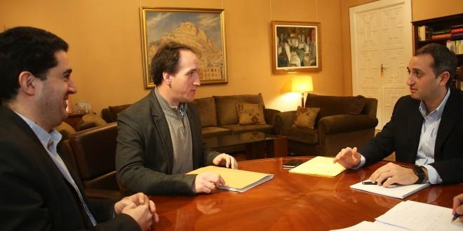 Alcoleja y la Diputación buscan recuperar la Base de Aitana