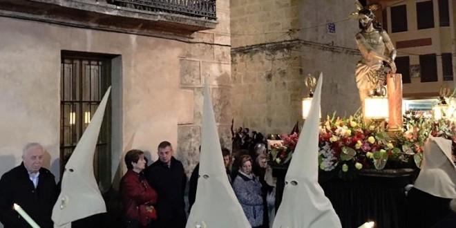 Solemnidad en la procesión del Santo Entierro en Muro