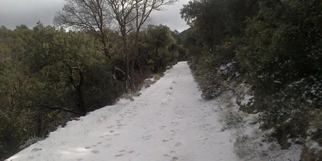 Vuelve la nieve a las cimas altas de la comarca