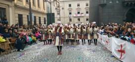 ASJ: Confecció de vestits a mida per a les Festes de Moros y Cristians