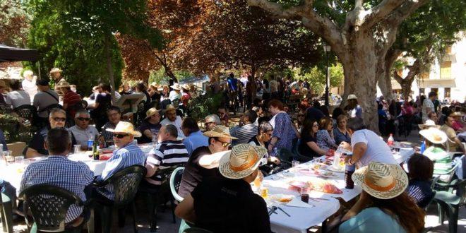 Los festeros de Cocentaina celebran las Paellas