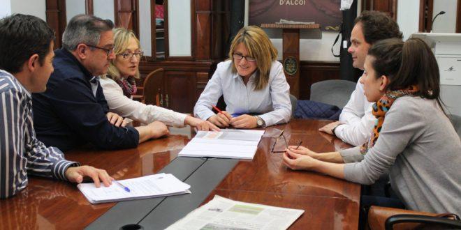 El comercio respalda la peatonalización de la calle Regimiento Vizcaya