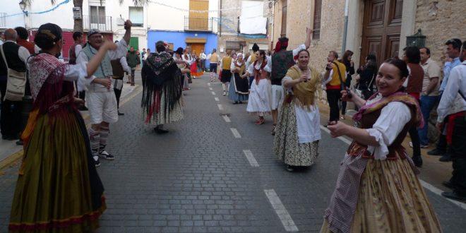 Muro vive de lleno las tradicionales 'Danses de Palacio'