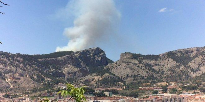 Controlado el incendio en la Sierra de Mariola