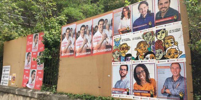 La pegada de carteles marca el inicio de la Campaña Electoral del 26J