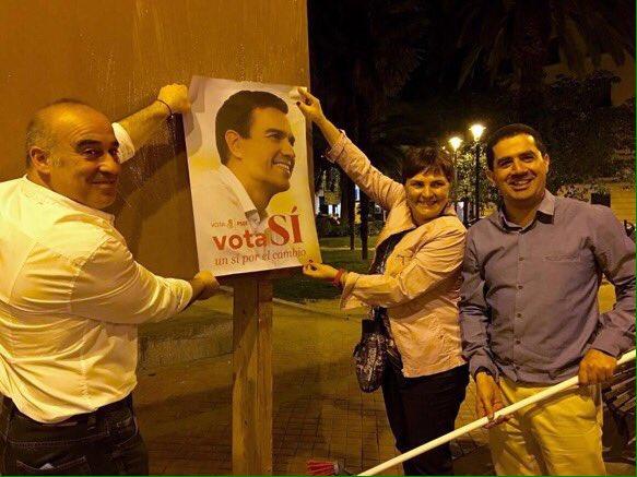 El PSOE pegó sus carteles en El Parterre