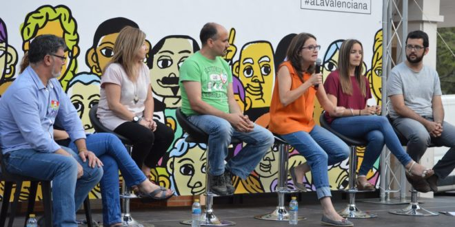 Mónica Oltra en el mitin de 'A la Valenciana'