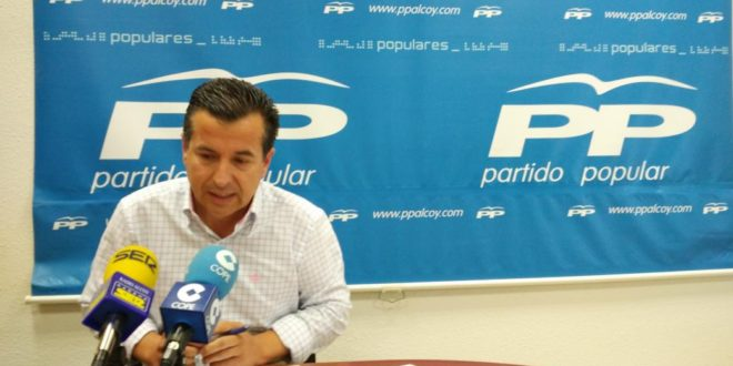 El Partido Popular desaprueba la gestión de las aulas experimentales de El Romeral y Miguel Hernández