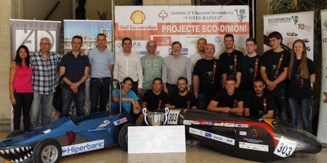 El equipo Eco Dimoni recibido en el Ayuntamiento de Alcoy