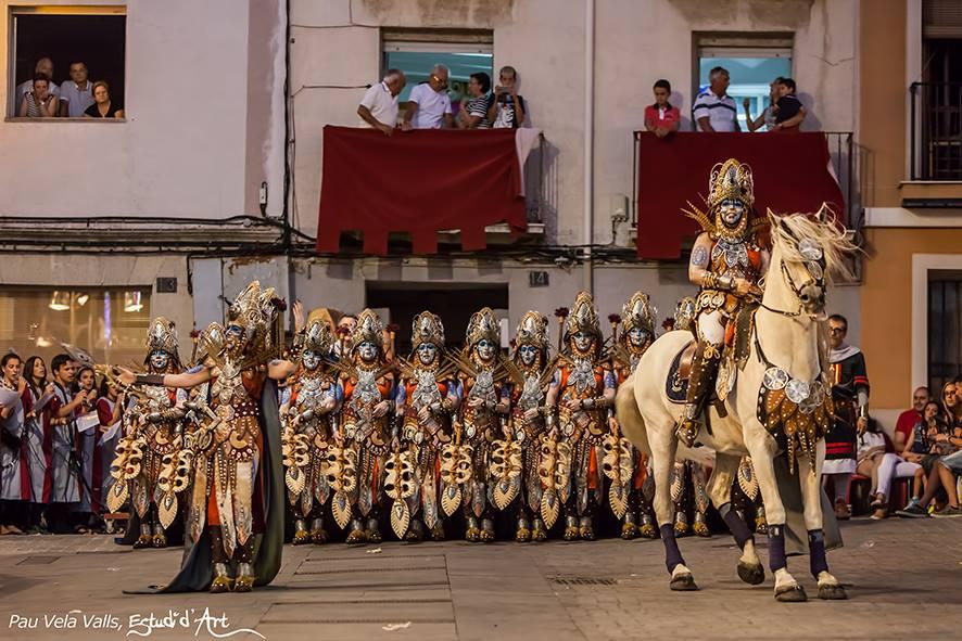 La escuadra de negros de los Almogávares a su llegada al Pla / Foto: Pau Vela