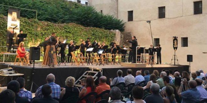 El concierto del Mal Passet da por iniciada la Semana Festera