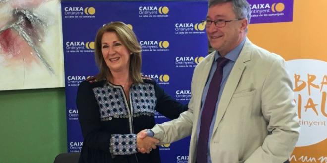 Caixa Ontinyent respalda la compra de un vehículo adaptado para AFA Muro