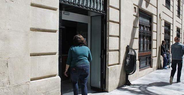 El PP denuncia colas en el servicio de atención al ciudadano