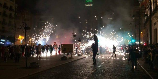 Explosión de fuego para recibir al Nou d´Octubre