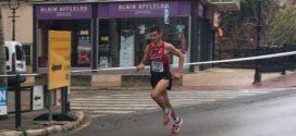 Andrés Micó gana la Media Maratón de Alcoy