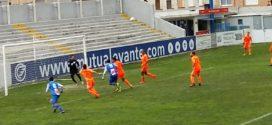 El Alcoyano remonta y vence al Gavà en El Collao por 2-1