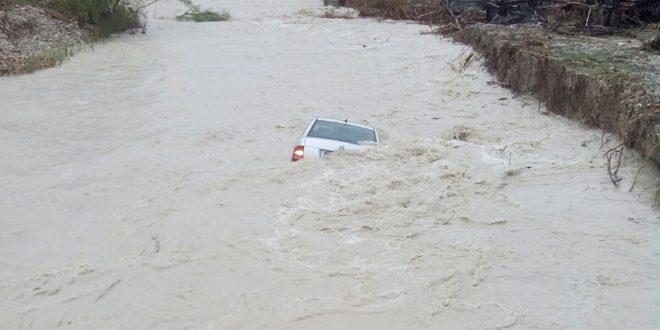 Rescatan a un hombre arrastrado por el río en Cocentaina