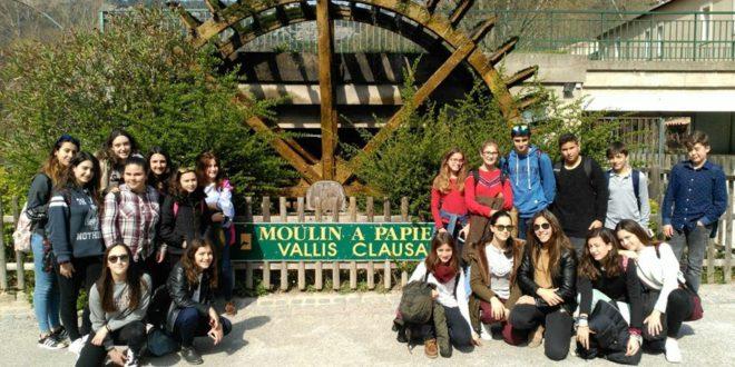 Alumnos de las Esclavas disfrutan de un intercambio en Francia