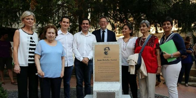 Puig asiste al homenaje que Alcoy le tributa a Juan Botella Asensi