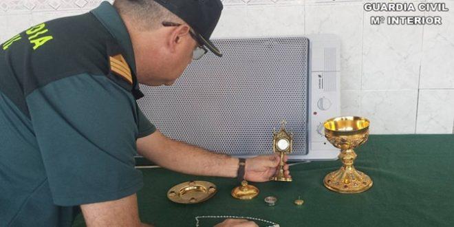 La Guardia Civil recupera la reliquia de San Hipólito robada de la parroquia del Salvador de Cocentaina