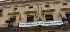 Alcoy se suma al recuerdo a Miguel Ángel Blanco y a las víctimas del terrorismo