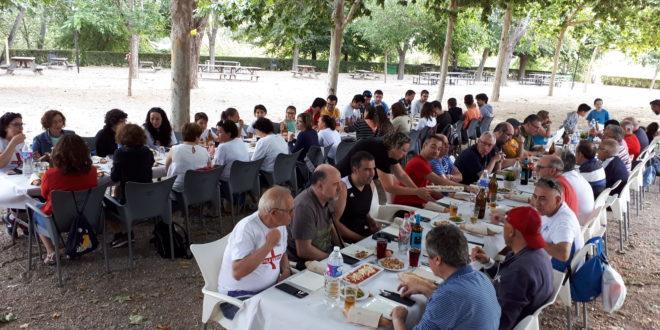 La Filà Vascos celebra su tradicional 'Dinà'